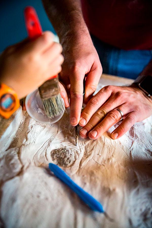 Arqueólogos trabalham na busca por descobrir o passado