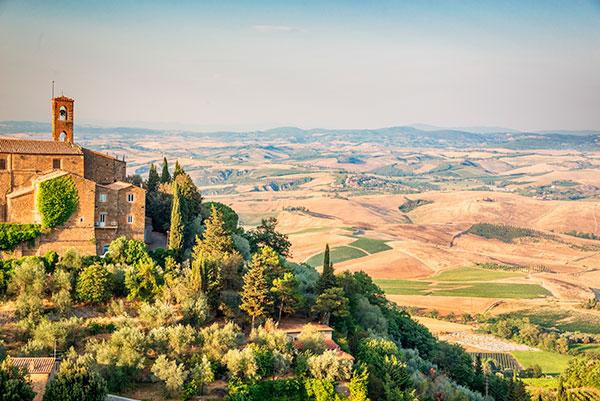 Comuna de Montalcino, na região da Toscana.