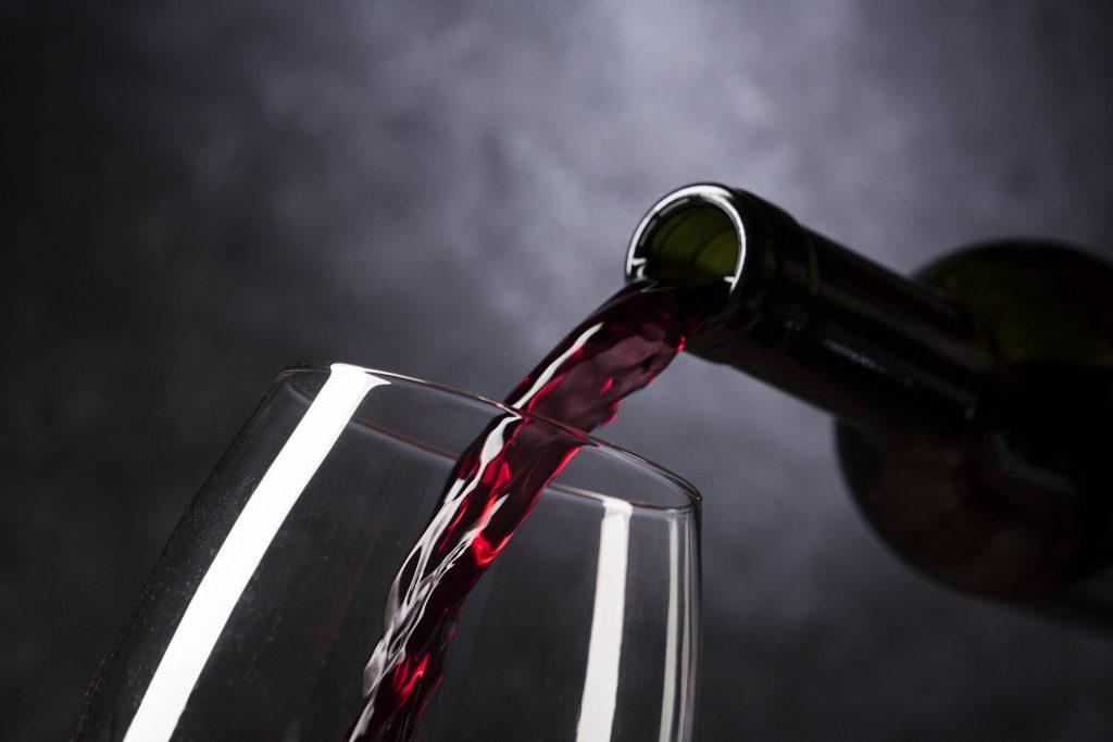 Receba em casa seu kit exclusivo para conhecer outros vinhos do mundo